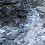 ... Sebus bei den Wasserfällen unterhalb des Sees beim Sattel ...